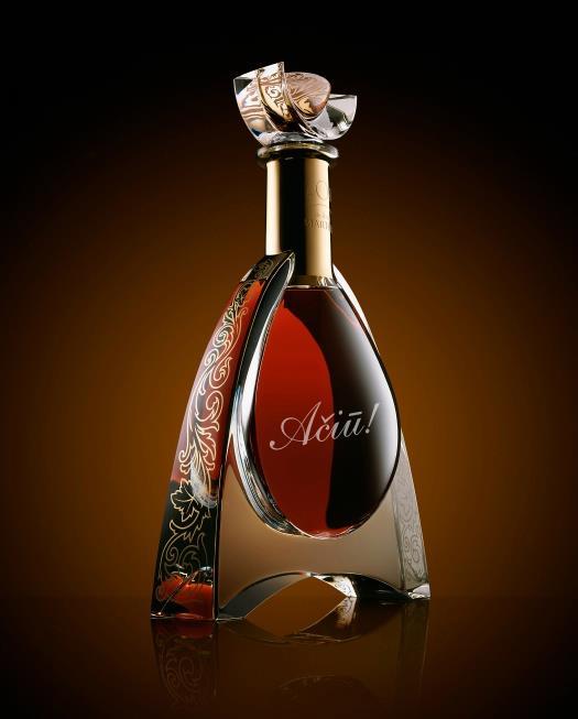 Stiklo graviravimas ant butelio