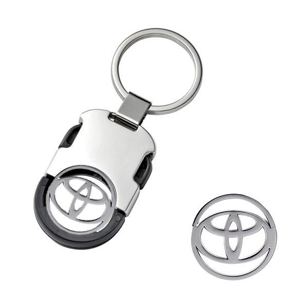 """Automobilio pakabukas """"Toyota"""" su žetonu"""